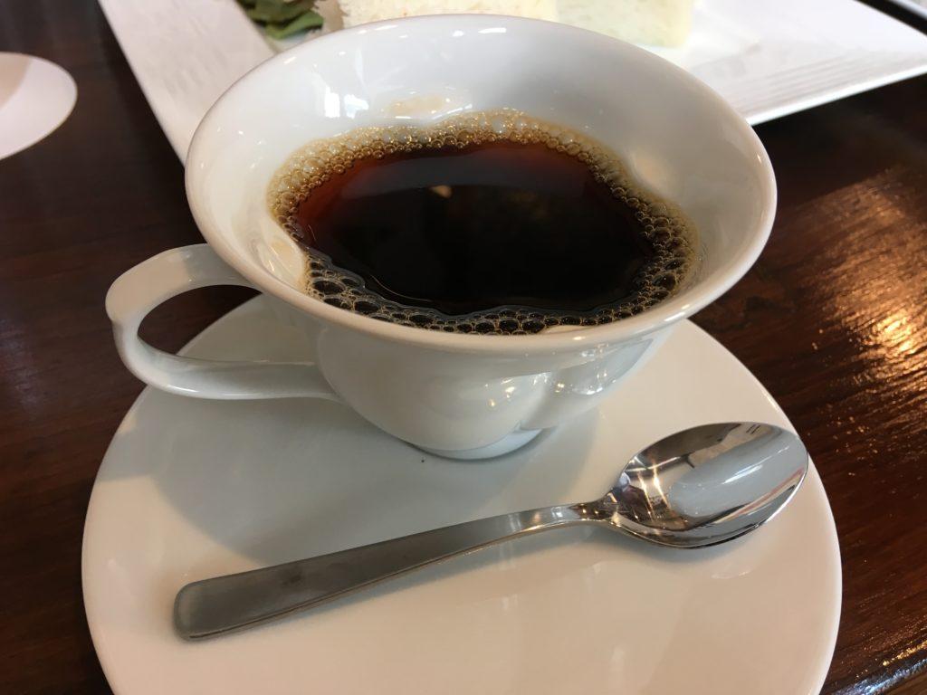 二子玉川BUTTINGHAUS JIROランチセットのコーヒーカップ