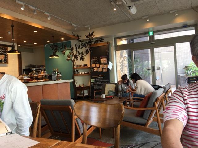 二子玉川ネイバーフッドカフェの店内